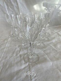 10 verres à vin en cristal St Louis modèle Bristol Estampillé Hauteur 15 Cm