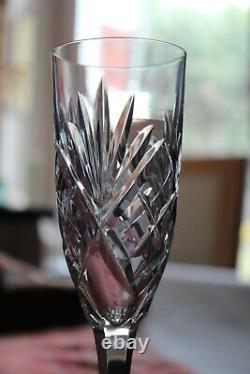 6 flûtes à champagne en cristal de Saint Louis, modèle Chantilly, h 18.8 cm
