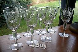 8 anciens verres à vin ou à eau en cristal taillé Saint Louis