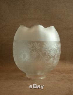 Ancien Globe Tulipe De Lampe A Petrole Grave A L'acide En Cristal Saint-louis