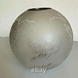 Ancien gros globe de lampe a pétrole cristal gravé à l'acide Saint louis tulipe