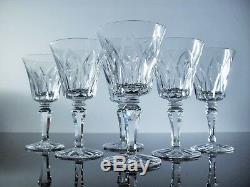 Anciennes 6 Verres A Vin En Cristal Taille Modelé Camargue St Louis Signe