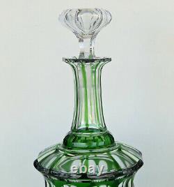 Baccarat ou Saint Louis Carafe sur Piédouche Cristal Taillé Overlay Doublé Vert