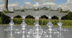Baccarat ou Saint Louis Service de 6 coupes à champagne en cristal gravé