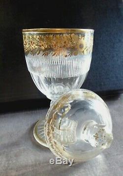 Cristal Rare Bonbonnière couverte St Louis, décor or de Desvignes