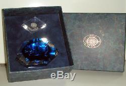 Important flacon en cristal de St-Louis (1994) à pans larges avec son boitage