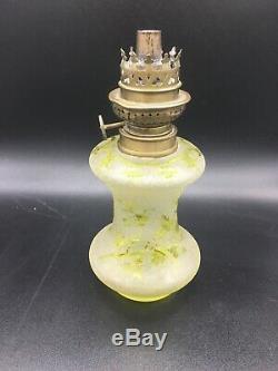 Magnifique Et Rare Lampe A Petrole Cristal Saint Louis Gravee Acide Decor Floral