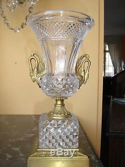 Magnifique Vase En Cristal Taillé ST Louis Et Bronze Doré A Col De Cygnes 19eme