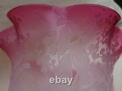 Paire de tulipes lampe pétrole cranberry cristal saint louis signe lamp shade