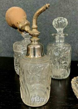 Saint Louis Magnifique set de salle de bain époque Art Deco en cristal taillé