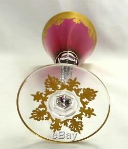 Saint Louis modèle Nelly, Empire doré, verre couleur rouge non signé, 18,9 cm