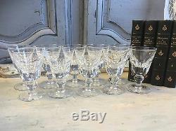 Serie De 10 Verres A Vin Blanc En Cristal Saint Louis Modele Jersey