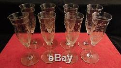 Service de 8 flutes à champagne en cristal de Saint Louis à décor de muguet, XIX