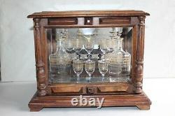 Superbe cave à liqueur en cristal de Saint Louis avec étiquette, 19 ème siècle