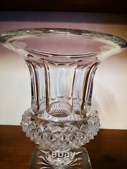 Très Beau Vase Médicis en Cristal, Modèle Versailles St Louis