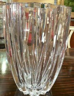 Vase en cristal de SAINT LOUIS Signé grand format